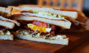 sándwich de victorino barrio lastarria a pasos de bellas artes